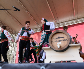 На празника на виното ямболска изба представи резервите си от серия Kabile