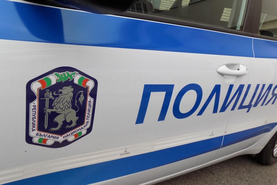 Двама служители на Югоизточното държавно предприятие /ЮИДП/ - Сливен са в болнично заведение след нападение от заловени нарушители, съобщиха от ЮИДП. Инцидентът...