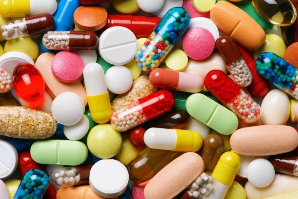 Министерството на здравеопазването предлага 5% ставка на ДДС за лекарствата, включени в Позитивния лекарствен списък. Това са медикаменти за домашно и...