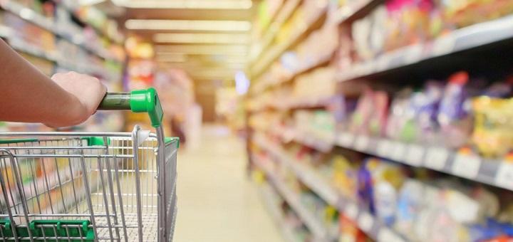 Търговските вериги ще бъдат задължени да продават български хранителни стоки, които да заемат поне половината от търговската им площ - съобщават браншови...