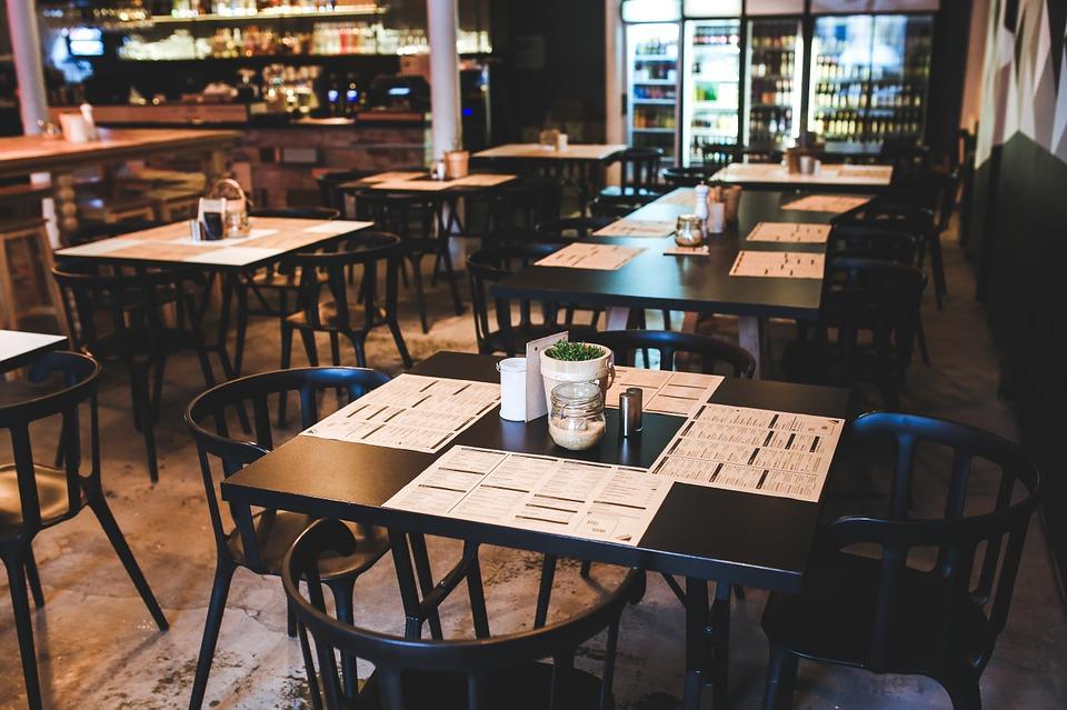 Представители на заведения и ресторанти ще поискат от Министерството на здравеопазването през юли и август заведенията да работят с пълния си капацитет,...