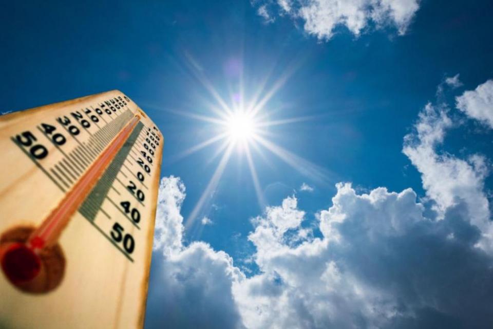 Денят ще е топъл и слънчев почти над цялата страна. В горещата част на денонощието температурите ще се колебаят между 27 и 32-33 градуса. Около обяд и...