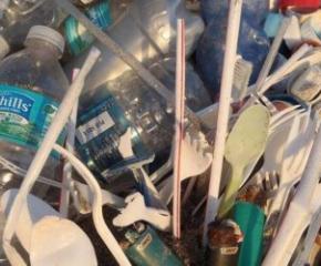 Предвиждат забраняване на пластмасовите прибори със закон от 3-ти юли