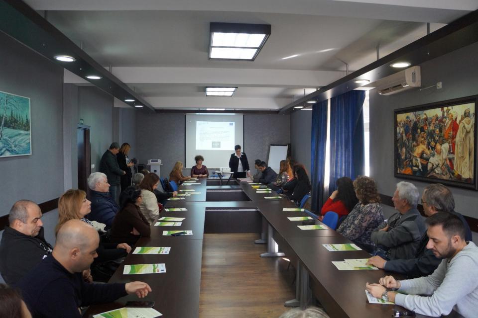 Премахване на незаконни сметища в Ямболска област и създаването на уеб платформа за сигнализиране на замърсени участъци са част от дейностите по трансграничния...