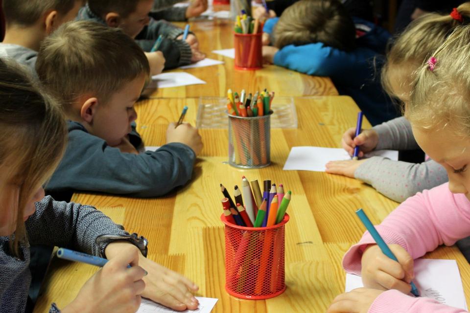Образователният министър в оставка Красимир Вълчев издаде заповед, която отсъствията на децата в столичните забавачки, които са записани в задължително...