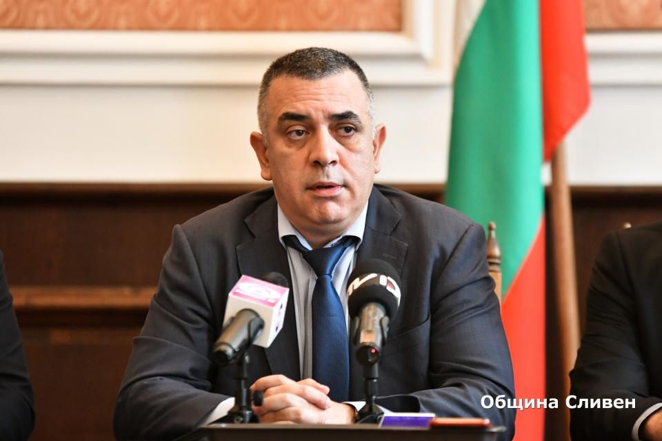Община Сливен продължава изпълнението на инфраструктурните проекти и подготвя нови през втория мандат на кмета Стефан Радев. Това стана ясно на днешната...