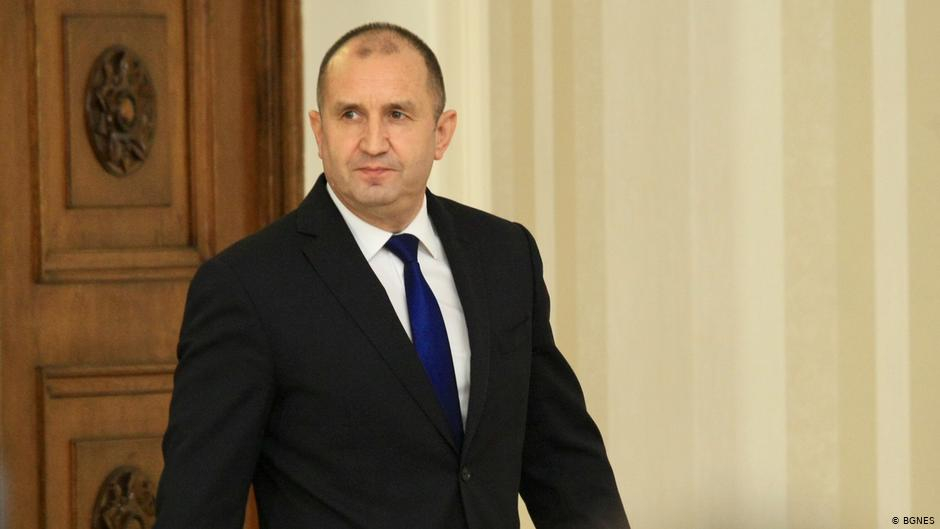 Президентът Румен Радев представи официално състава, структурата и приоритетите на служебния кабинет, който ще управлява страната до съставянето на ново...