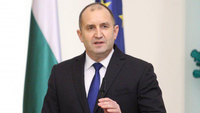 В 11.30 часа в сградата на Община Козлодуй президентът ще се срещне с кмета Маринела Николова и представители на местната власт. След това Румен Радев...