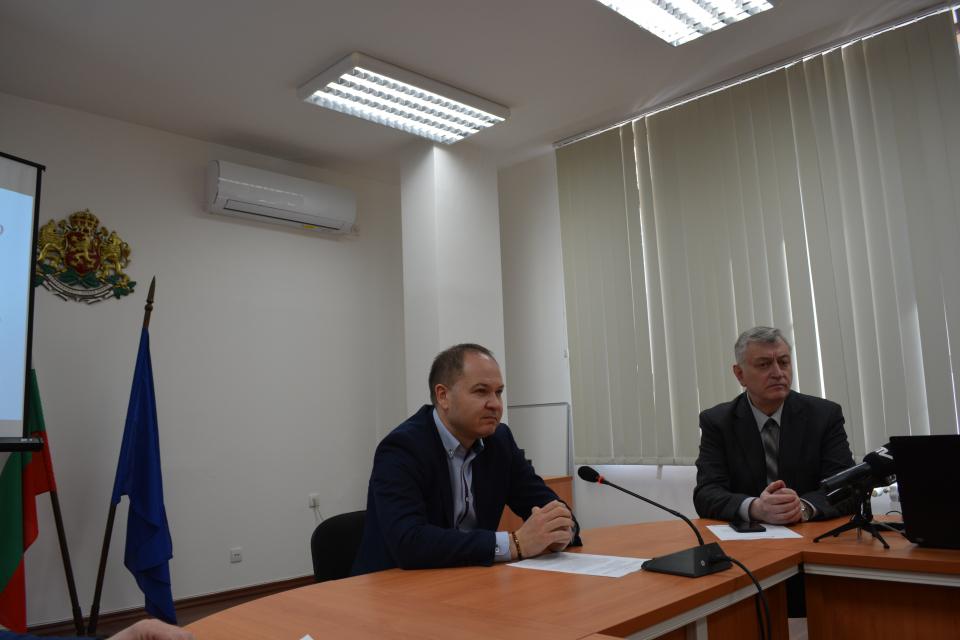 Комисията по заетост към Областен съвет за развитие съгласува и прие изготвеното предложение за държавния план-прием на област Ямбол за 2020/2021 година....