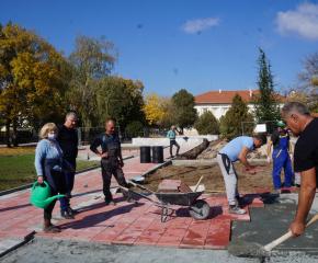 Приключи асфалтирането на улици в тунджански села