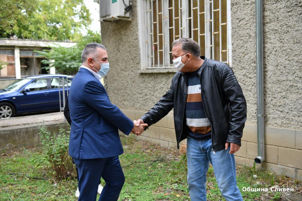 Приключи ремонтът на сградата на Здравната служба в село Драгоданово, който започна в края на август, съобщиха от община Сливен. Преди да бъде въведена...
