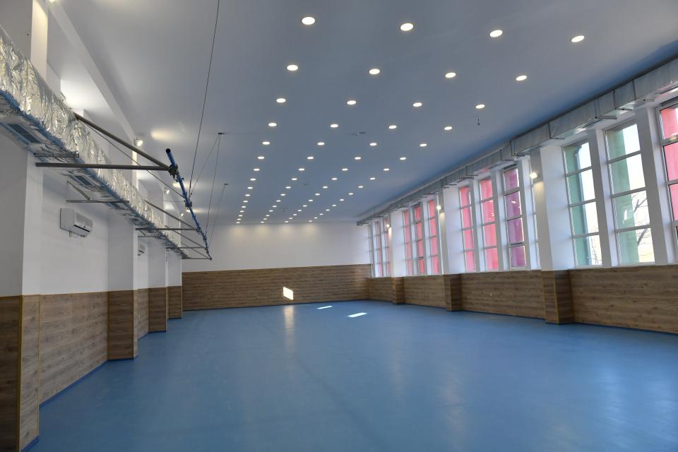 Община Сливен продължава да изгражда и обновява спортната база в общината. Това заяви пред журналисти кметът Стефан Радев. По думите му вече е приключил...
