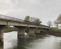 """Дейностите по възстановяване на моста над р. Тунджа по пътя с. Кабиле – с. Желю войвода приключиха успешно, съобщи инж. Снежана Кънева от отдел """"Сигурност..."""