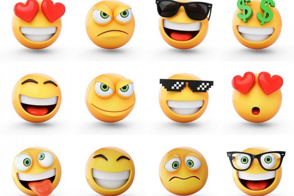 Първите емотикони - изобразено с двоеточие,тира и скоби усмихнато и намръщеното лице - се продават на онлайн търг като незаменим токен (NFT) , предаде...