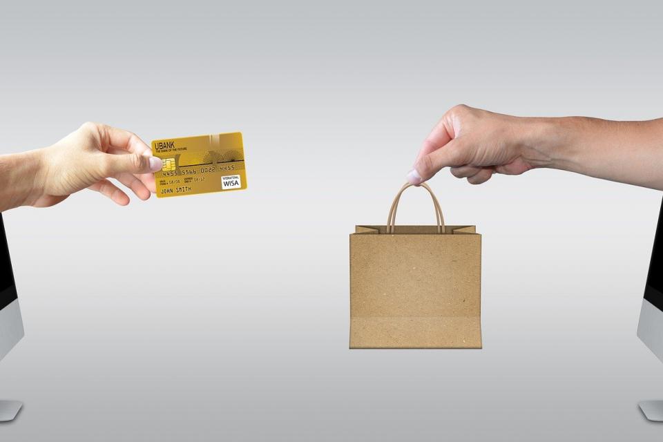 Доходите от е-търговия с наложен платеж се записват предварително в данъчната декларация При продажба на вещи за лично ползване и такива, които не са...