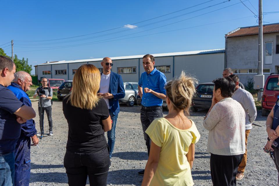 Продължават срещите между кмета на община Ямбол Валентин Ревански и граждани от различни квартали на града. След като се запознаха с някои от проблемите...