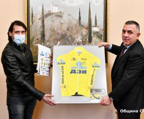 Професионални колоездачи с благодарност към кмета на Сливен
