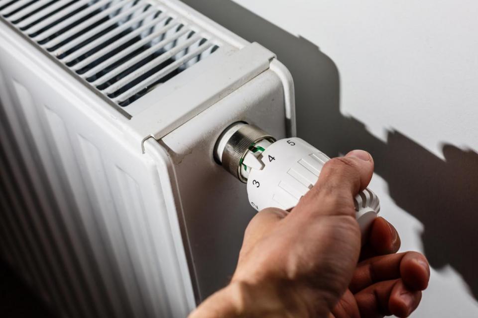 Върховната административна прокуратура (ВАП) образува преписка по публикации в медиите, свързани с повишаване на цената на топлинната и електрическа енергия...