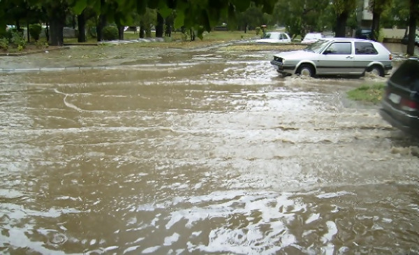 Над 20 л/кв. м е падналия дъжд в Сливен на 26 септември вечерта. Пороят се е излял в рамките на по-малко от час и е наводнил улици в града, съобщи за...