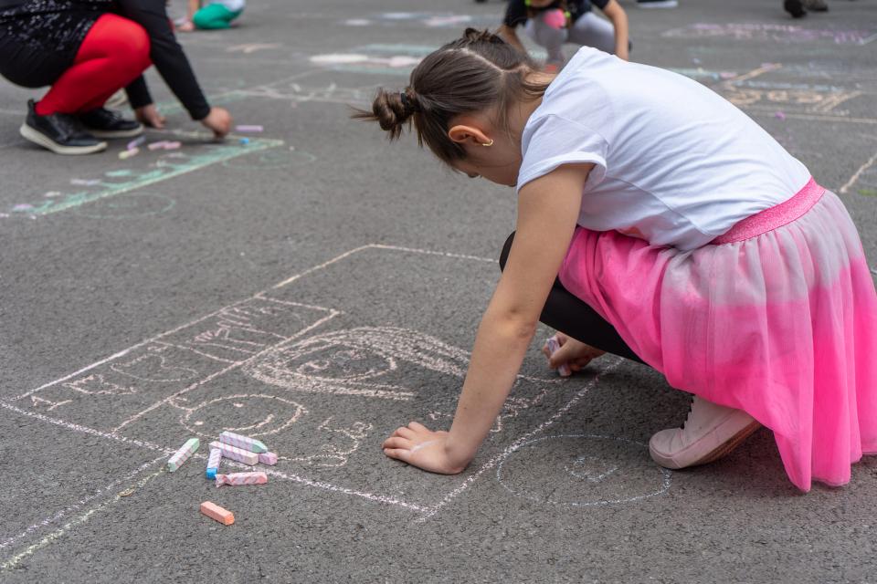 Щафетата за ученици от втори, трети и четвърти клас на ямболските училища, организирана по повод Международния ден на детето – 1 юни, ще се състои в спортна...
