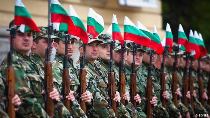 Всички европейци обичат армиите си, освен българите, сочи проучване в 28-те страни членки на Европейския съюз, отразяващо отношението на европейците към...