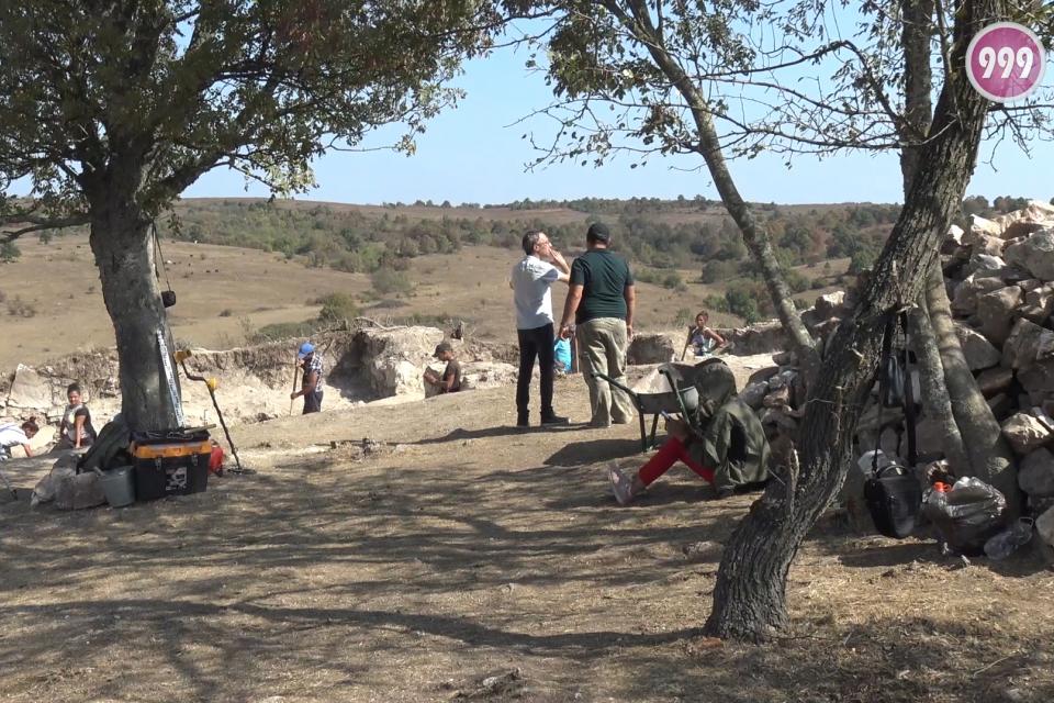 Проучването на Малкото кале край село Воден продължава. Всяка година находките надграждат историята. Дейностите по тази мисия са започнали още през 2008-ма...