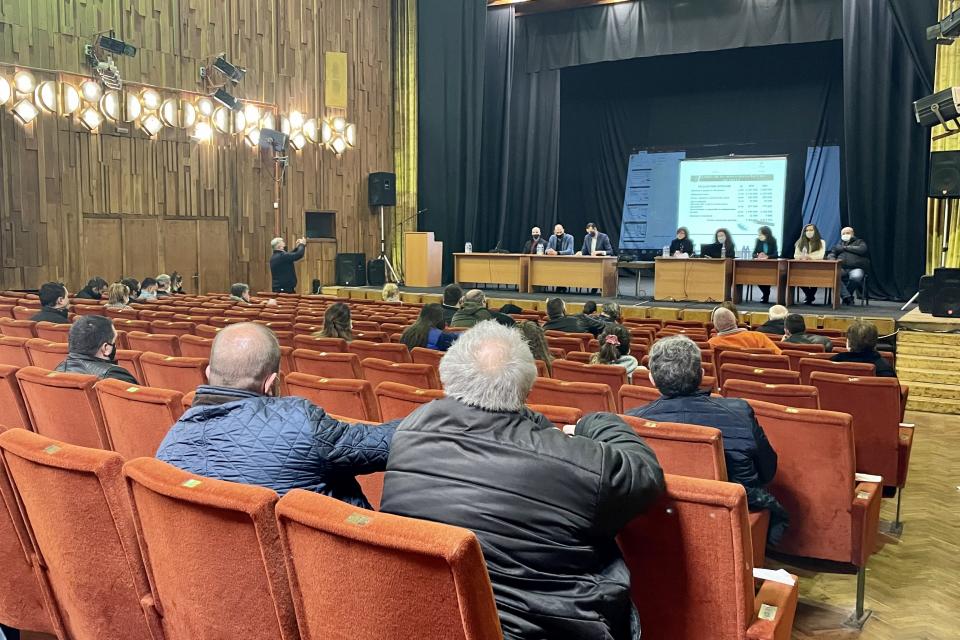 В зрителната зала на община Ямбол се проведе публичното обсъждане на проекта за бюджет на община Ямбол за 2021 година. На обсъждането присъстваха кметът...