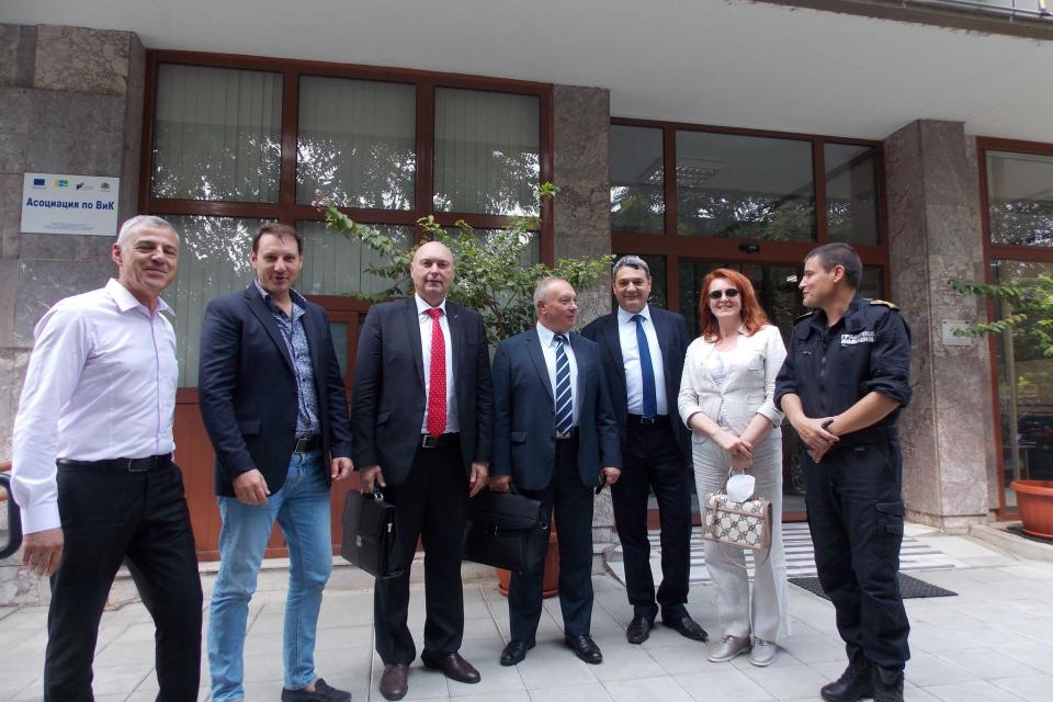 Работна среща се проведе в сградата на Областна администрация в Ямбол във връзка със стартиралите дейности за усилване на охраната на българо-турската...