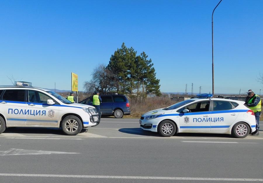 Специализирана полицейска операция за противодействие на конвенционалната престъпност и превантивна дейност по безопасността на движението се проведе вчера...