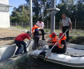 Проведоха обучения за реакция при наводнения в БЧК - Бургас