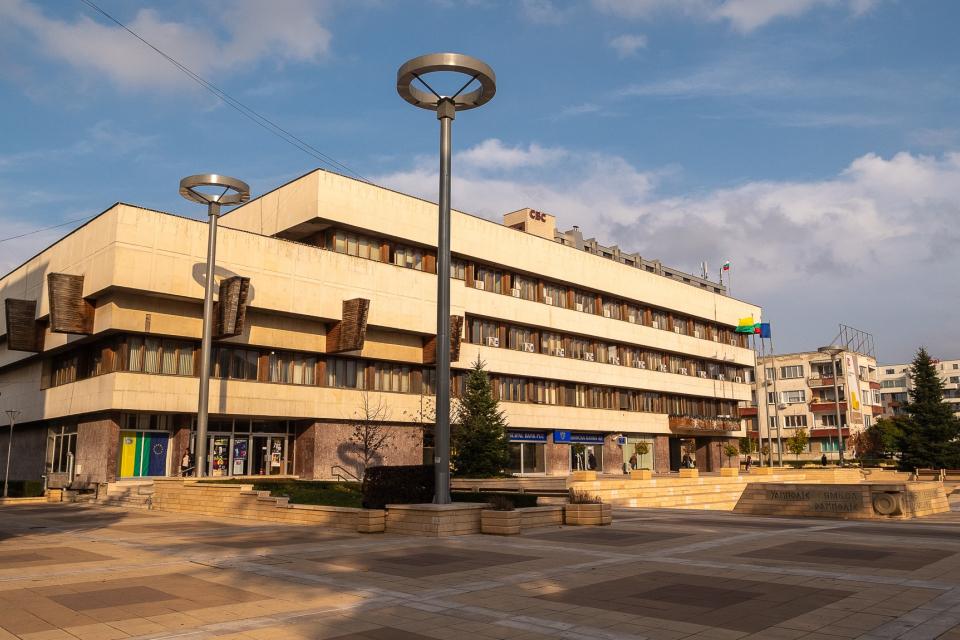 Кметът на община Ямбол Валентин Ревански отправя покана за публично обсъждане на проекта за бюджет на община Ямбол за 2021 година, което ще се проведе...