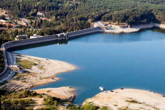 """От язовир """"Копринка"""" ще бъдат подавани по 5 млн. куб. м водакъм язовир """"Жребчево"""" за необходимия минимален екологичен отток към река Тунджа. Това обясни..."""
