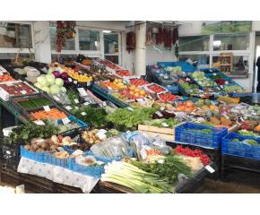 Първи фермерски пазар в Добрич след въвеждането на извънредно положение