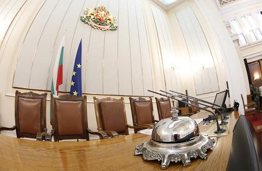 Служебното правителство, назначено вчера от президента Румен Радев, се събира днес на първото си заседание, съобщават от БНР. Един от основните му приоритети...