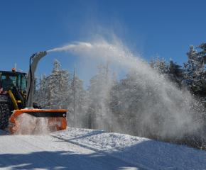 Пътноподдържащите фирми в ямболско са готови да посрещнат силния снеговалеж
