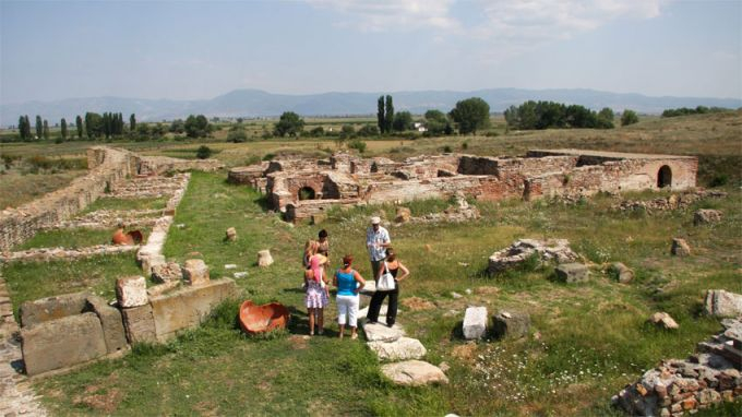 В Националния археологически резерват Кабиле, край Ямбол, разкопките, за този сезон, приключиха, съобщи БНР. Изцяло проучена е сградата, в която се е...