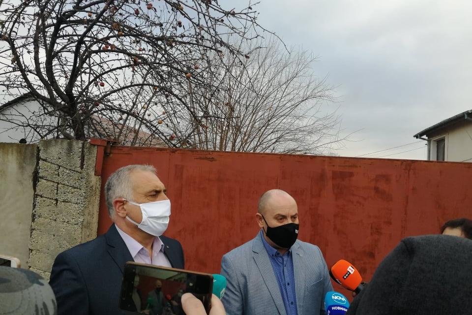 Разследване на незаконно присъединяване към електропреносната мрежа е започнало в началото на тази седмица от служители на ОДМВР-Сливен и ЕВН. Операцията...