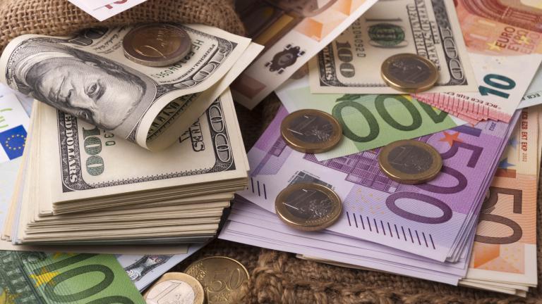 Софийската градска прокуратура и МВР разкриха голямо количество фалшиви долари и евро, печатани на територия на висше учебно заведение в София, коментират...