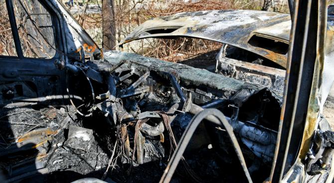 """За броени часове криминалисти на участък """"Петолъчка"""" разкриха палеж в село Сотиря. Около 02,00 часа на 30 октомври е извършен палеж на товарен автомобил...."""