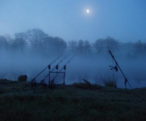 Разрешава се нощния риболов