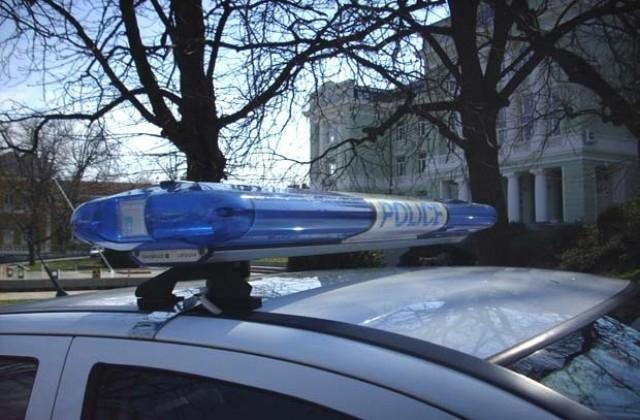Служители на РУ-Нова Загора разследват взломна кражби от заведение в село Радецки. През нощта на 12 срещу 13 ноември неизвестен извършител, след като взломил...