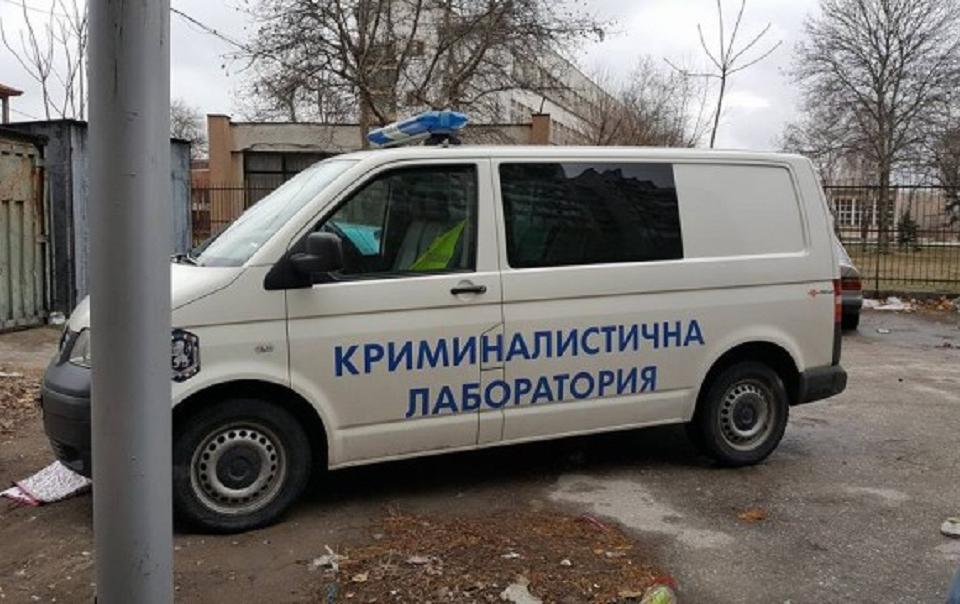 Криминалисти на ОДМВР-Сливен разследват смъртта на 45-годишен мъж от град Сливен. Тялото е намерено малко след полунощ на 21 юли от екипи на РУ-Сливен...