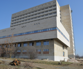 """Реално започна доизграждането на """"Новата болница"""" в Ямбол (Видео)"""