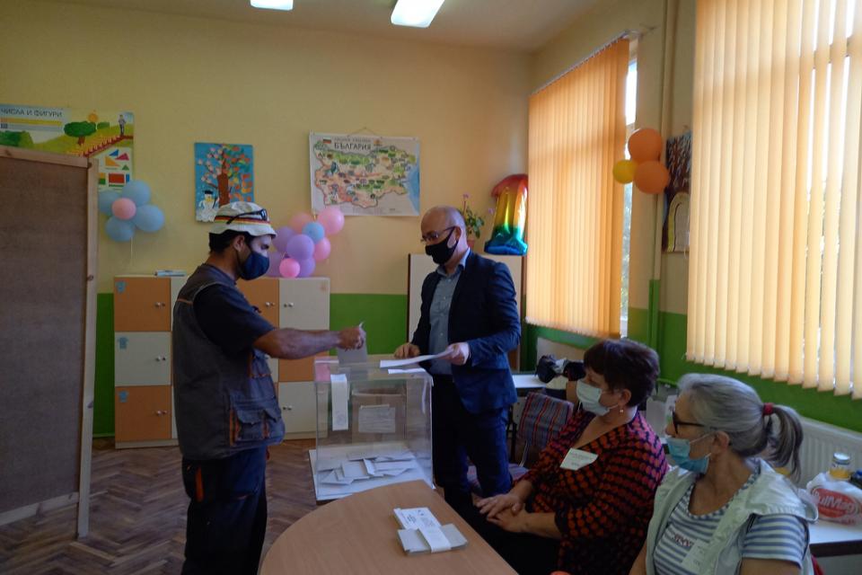 Повече от 40 процента от жителите на село Мадара са гласували на референдума на 26 септември – достатъчно, за да бъде признат той за редовно проведен,...