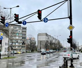 Ремонт на светофарната уредба до новата поща в Ямбол