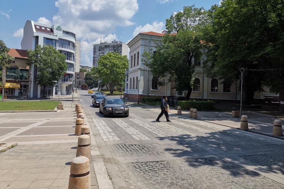 """На 8 юни, вторник, от 9:00 часа до 17:00 часа ще бъде осъществен ремонт на уличната настилка на ул. """"Бузлуджа"""" в отсечката от ул. """"Георги Дражев"""" до улица..."""
