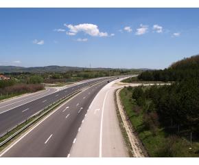 """Ремонтирането на части от магистралите """"Тракия"""" и """"Хемус"""" приключи"""