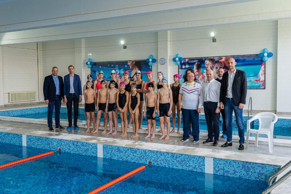 """На 5 март, петък, в 10:30 часа беше открит обновеният плувен комплекс в Езикова гимназия """"Васил Карагьозов"""" - Ямбол, който беше затворен през последните..."""