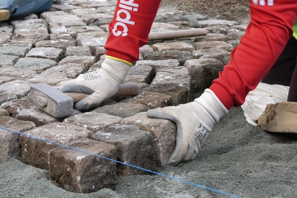 Към днешна дата Община Ямбол осъществи частичен ремонт на най-компрометираните участъци от паважната настилка на четиринадесет улици в града. Изпълнените...