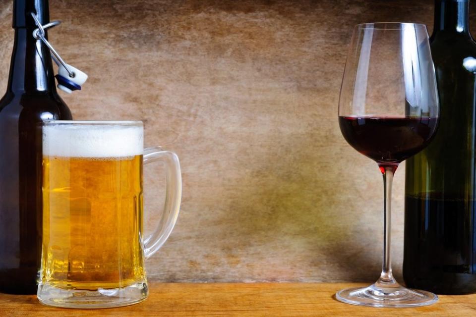 """Парламентът прие предложението на бюджетната комисия за 9% ДДС ставка на вино, бира и спортни съоръжения, съобщи БНТ. """"За"""" гласуваха 100 народни представители,..."""